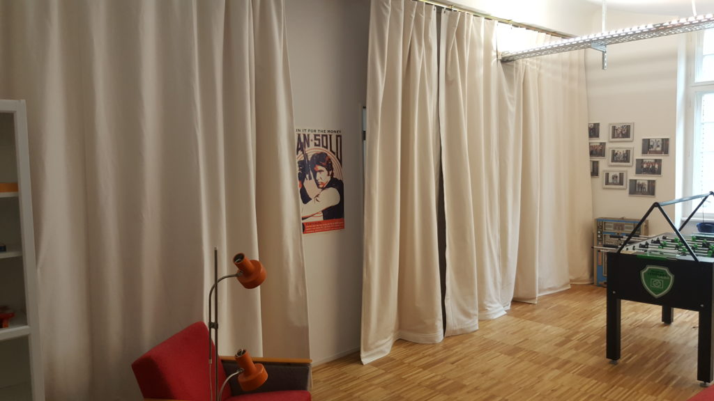 Akustikvorhang bei Contorion GmbH in der Lounge